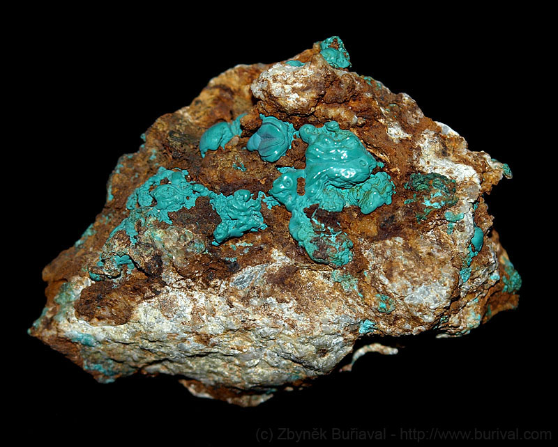 Photographing minerals on solid black background